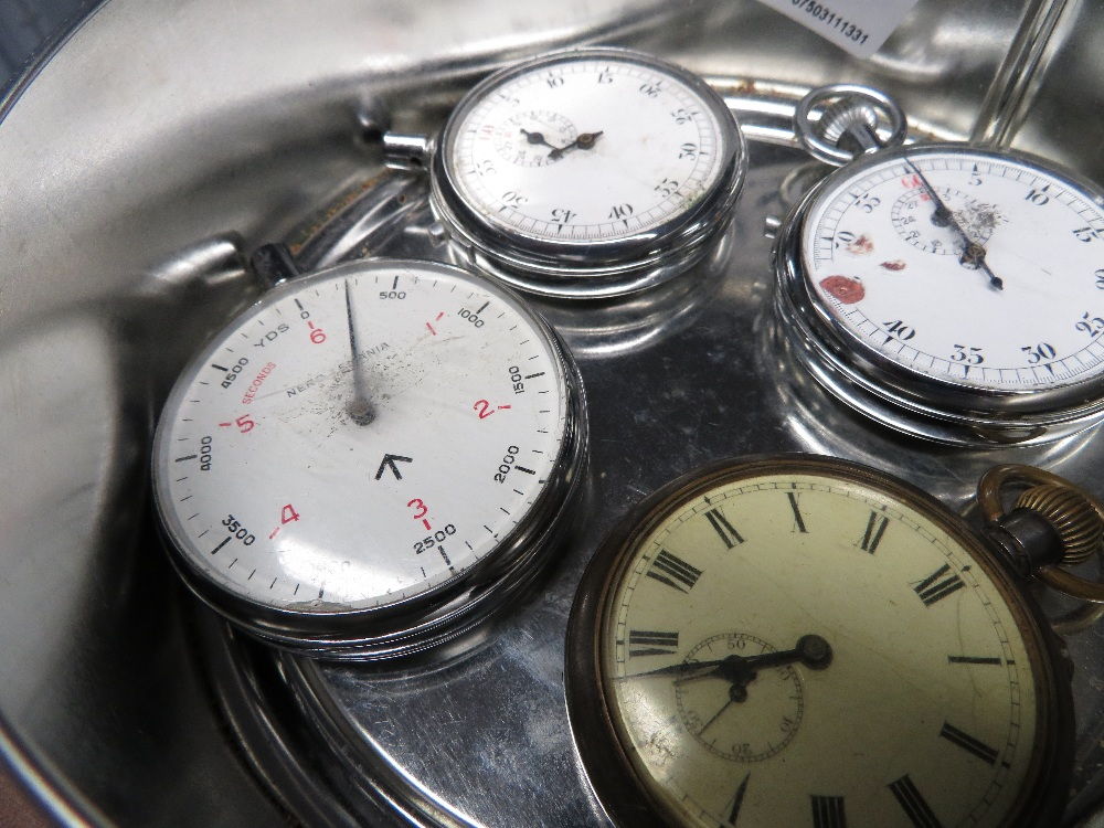 Lot 15 - Four military stoop watch and altimeters