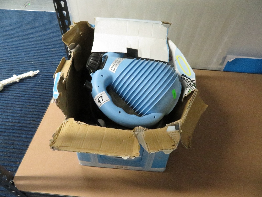 Lot 47 - Steam cleaner