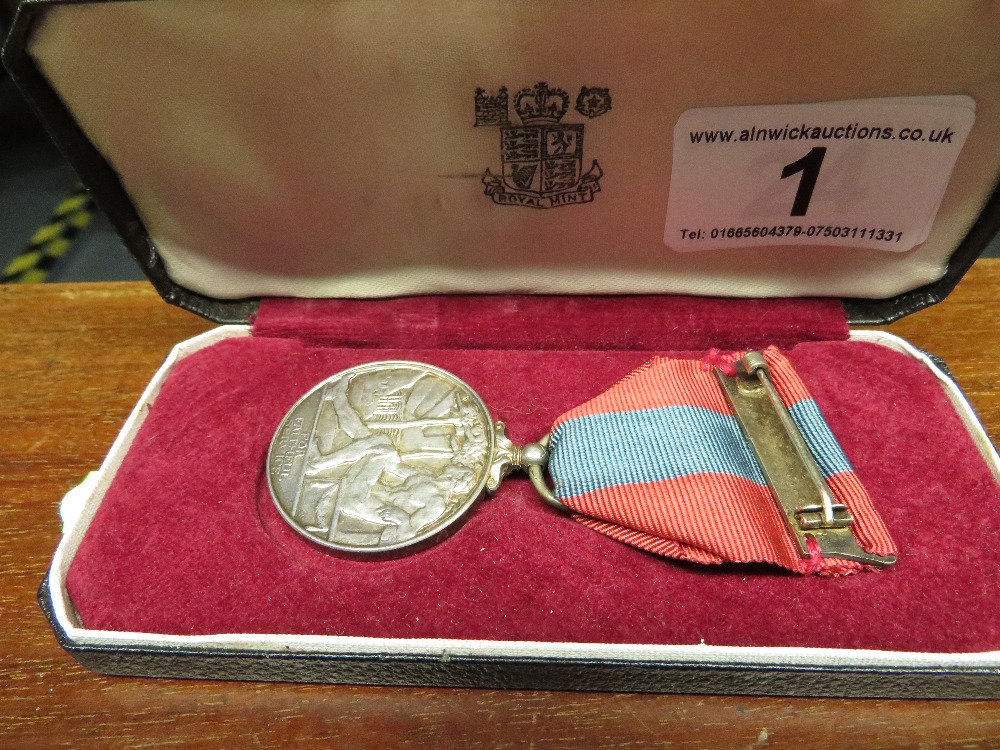 Lot 1 - Imperial service medal