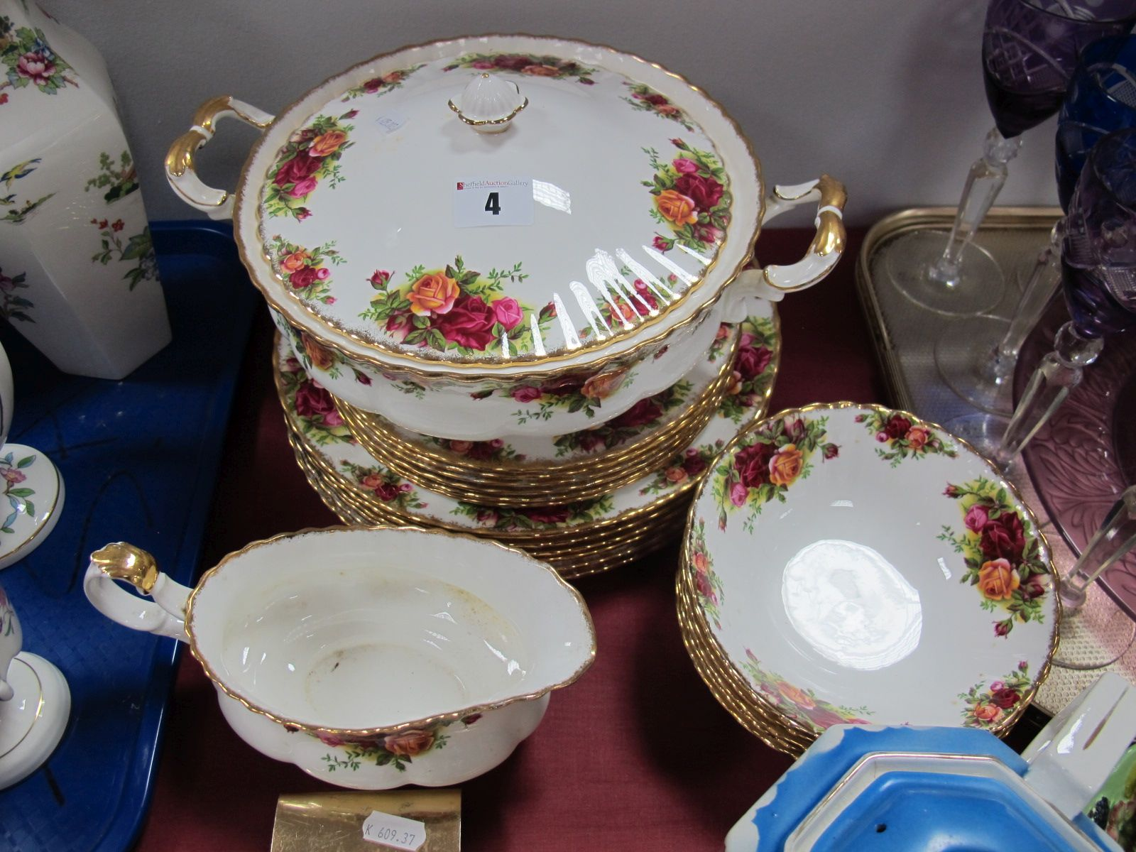 Lot 4 - Royal Albert 'Old Country Roses', six 21cm plates, two 26.5cm plates, four fruit bowls - all 1st