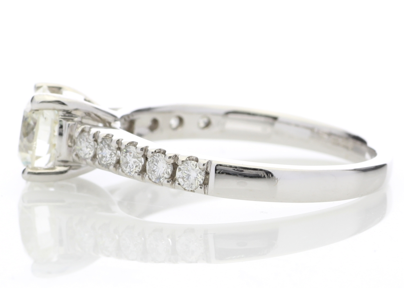 18ct White Gold Single Stone Diamond Ring With Stone Set Shoulders (1.02) 1.32 Carats - Image 3 of 5