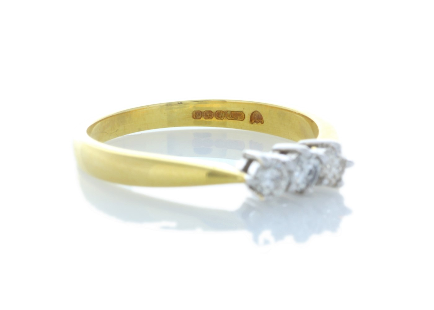 9ct Yellow Gold Three Stone Claw Set Diamond Ring 0.25 Carats - Image 4 of 4