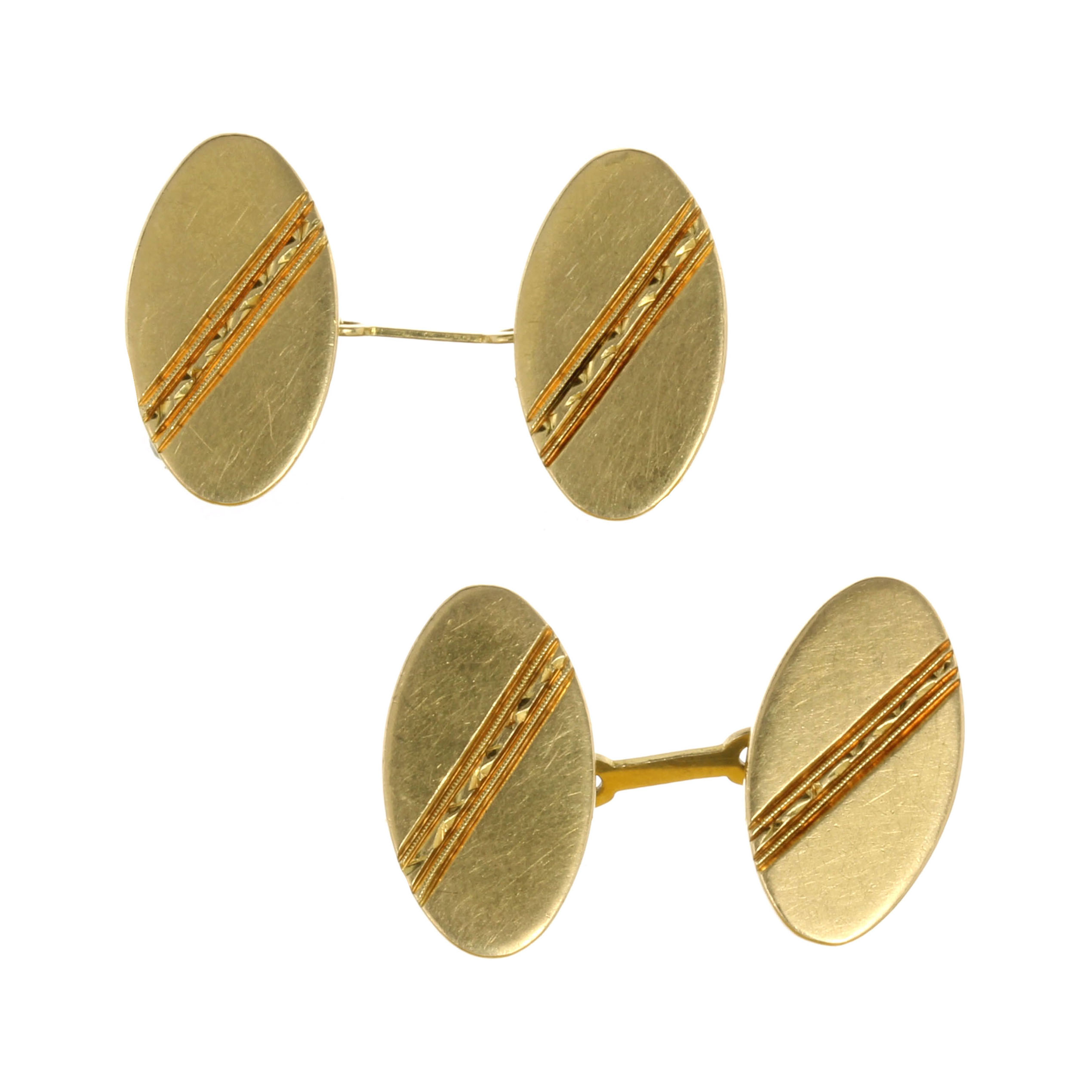 Los 42 - A PAIR OF VINTAGE CUFFLINKS POSSIBLY BY ROLEX in 18ct yellow gold each with two, connected oval