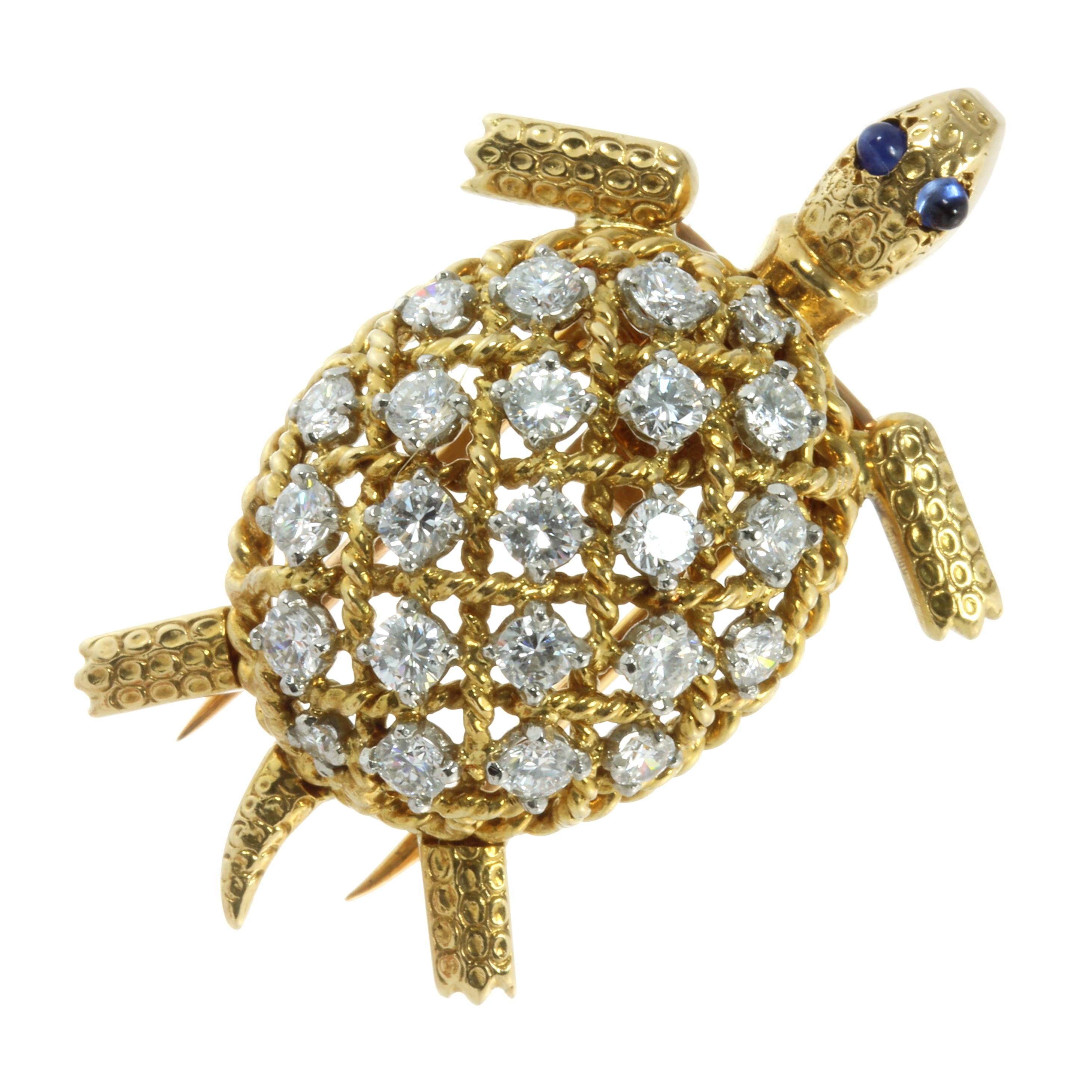 Los 65 - A DIAMOND AND SAPPHIRE TURTLE BROOCH, CARTIER in 18ct yellow gold modelled as a turtle, its shell