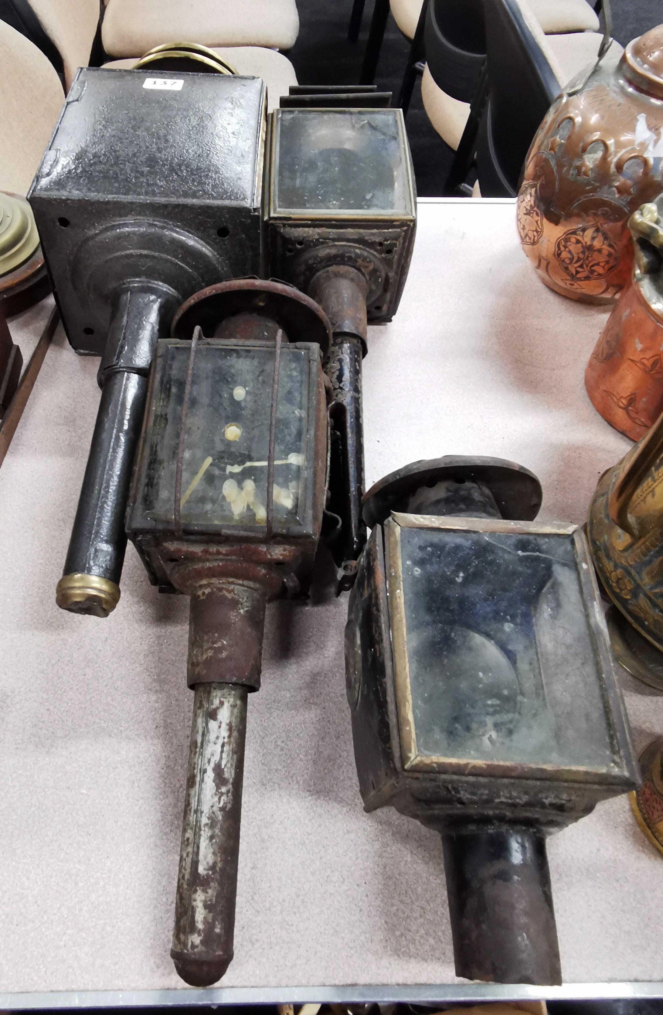 Lot 137 - 4 COACH LAMPS