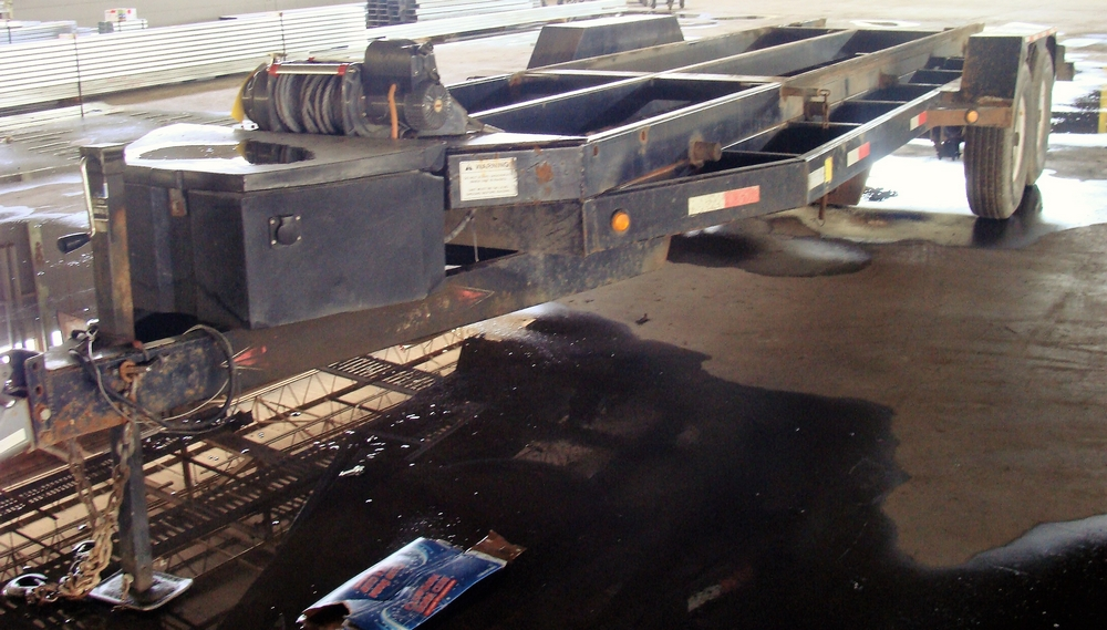 Lot 51 - 2011 WEBER LANE MFG. TRA/REM TRAILER ROLL OFF SYSTEM consisting of dual axle trailer with GVWR 7,100