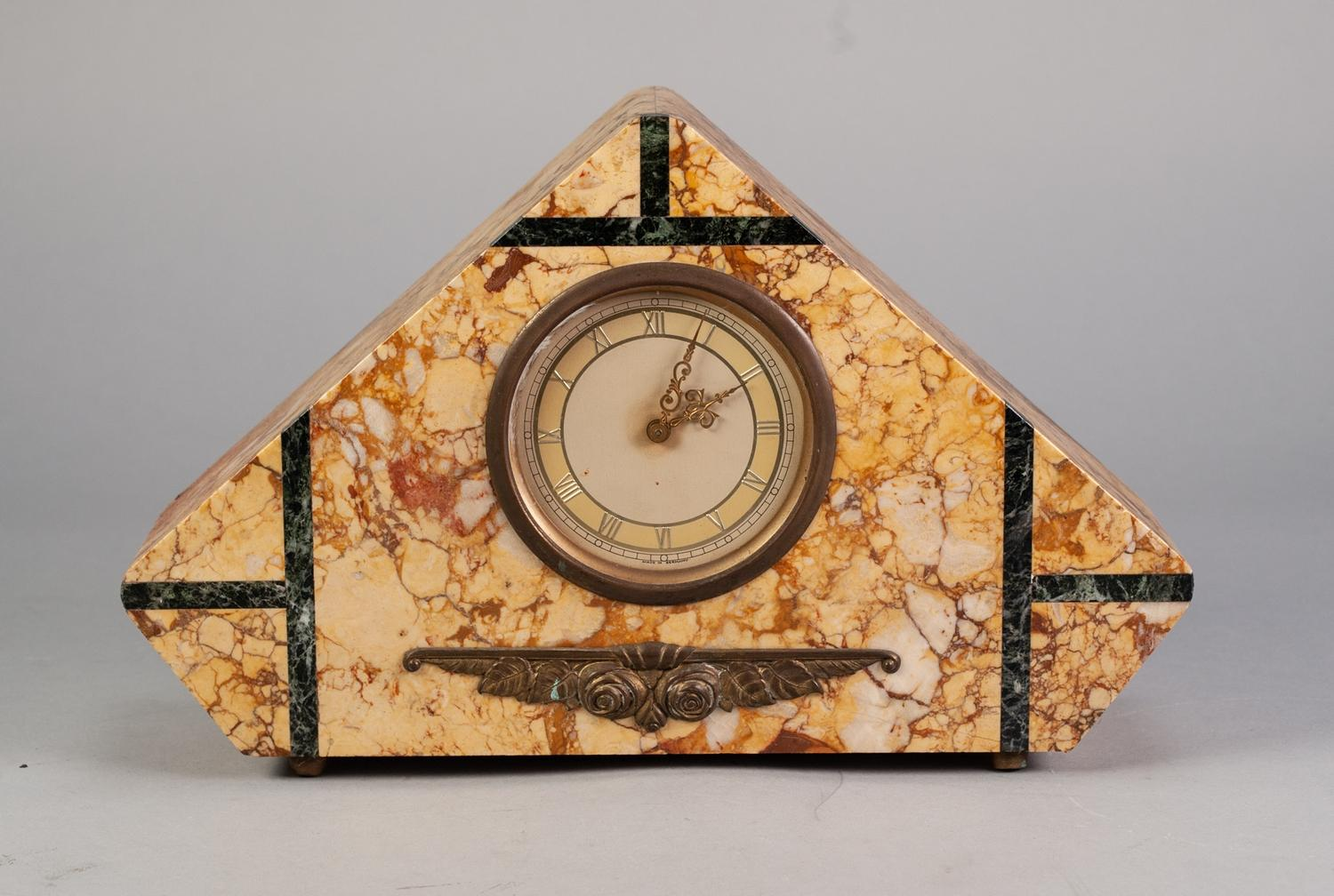 Lot 32 - ART DECO VEINED CREAM AND BLACK MARBLE TRIANGULAR SHAPED MANTEL CLOCK, with Roman chapter ring, 14
