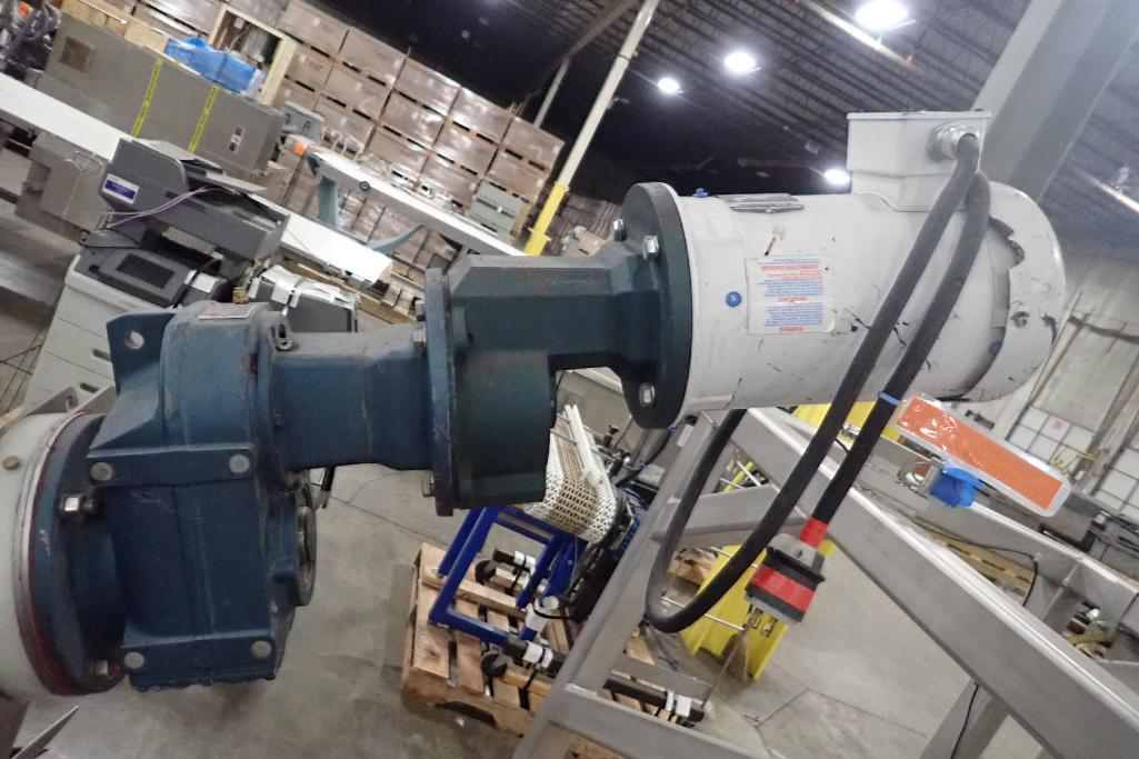 Lot 1061 - SS incline auger with hopper, 6 in. dia x 72 in. long auger, 8 in. discharge, 41 in. discharge heigh