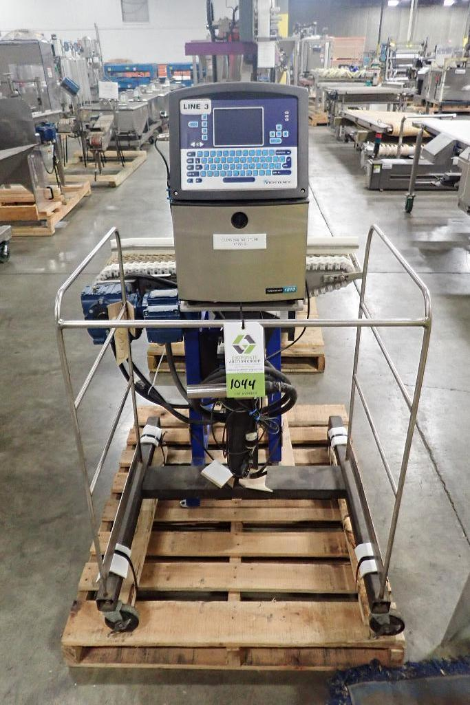 Lot 1044 - Videojet ink jet marking machine, Model 1510, SN 0928141C11ZH, with head, on stand, Spantech conveyo