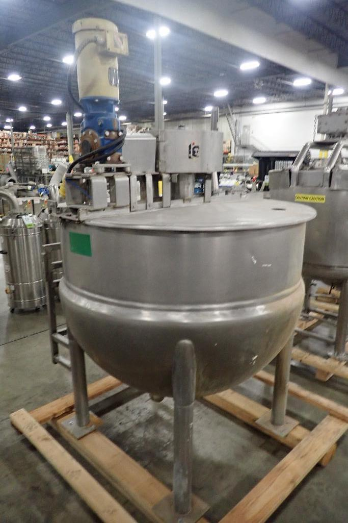 Lot 1066 - 1979 Lee 250 gallon kettle, Model 250 D9MS, SN A-5959-2, 90 psi @ 332F, full sweep, dual agitation,