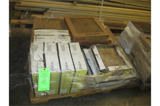 PALLET OF VARIOUS TILE INCLUDING DALTILE X TERRAIN MARRONE - Daltile charleston