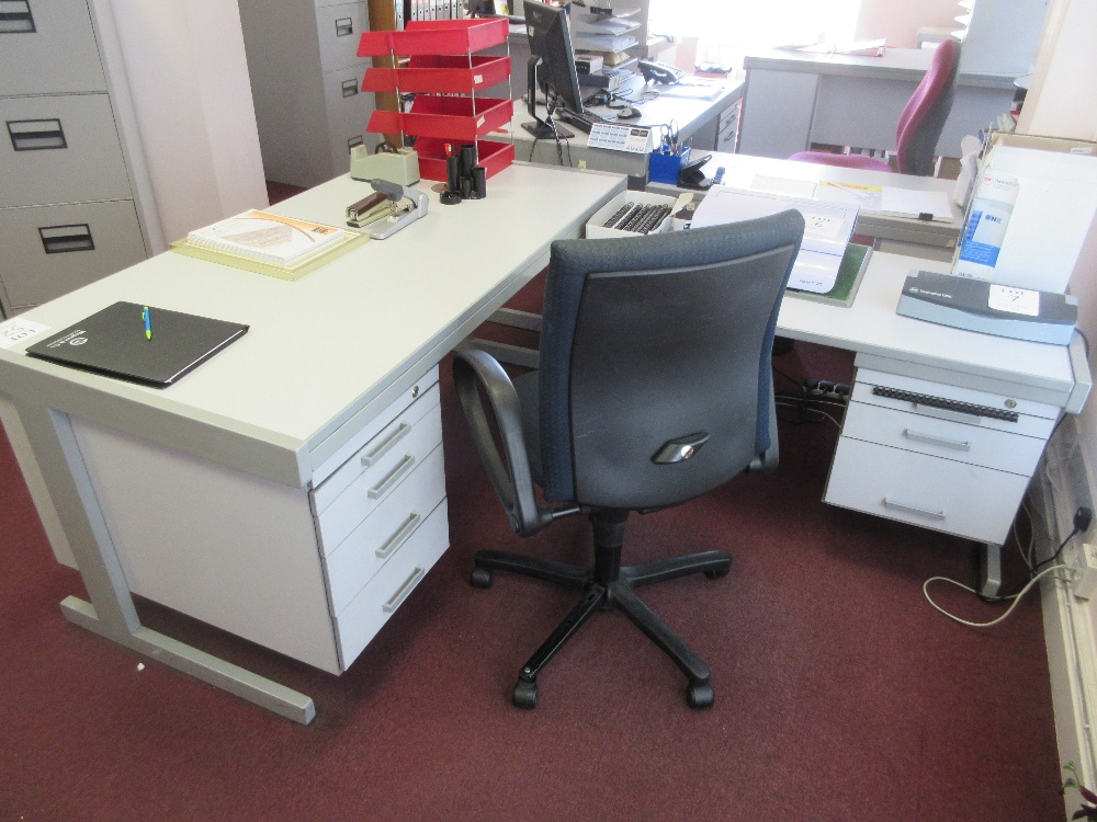 Lot 52 - Grey laminated single pedestal desk with return