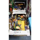 ASSORTED TOOLS / MEASURING TAPES