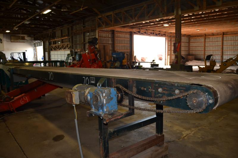 "Lot 70 - ARK LATEX 32"" X22' BELT CONVEYOR W/ DRIVE"