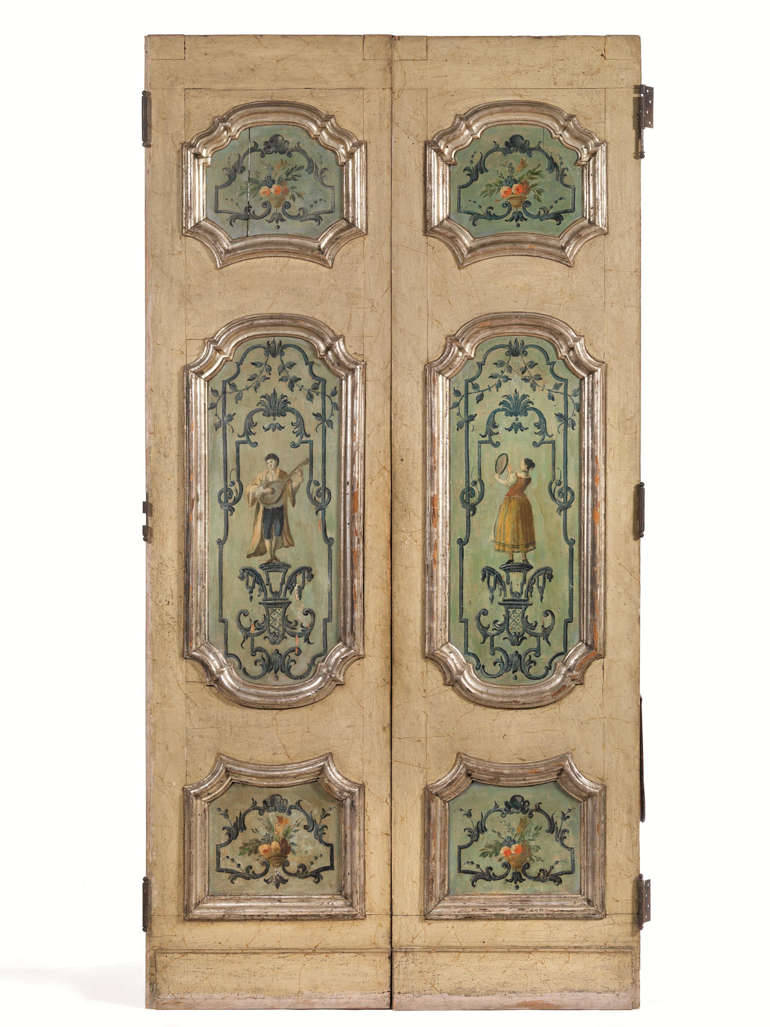 PORTA A DUE ANTE, VENETO, SECOLO XVIII in legno dipinto nei toni del ...