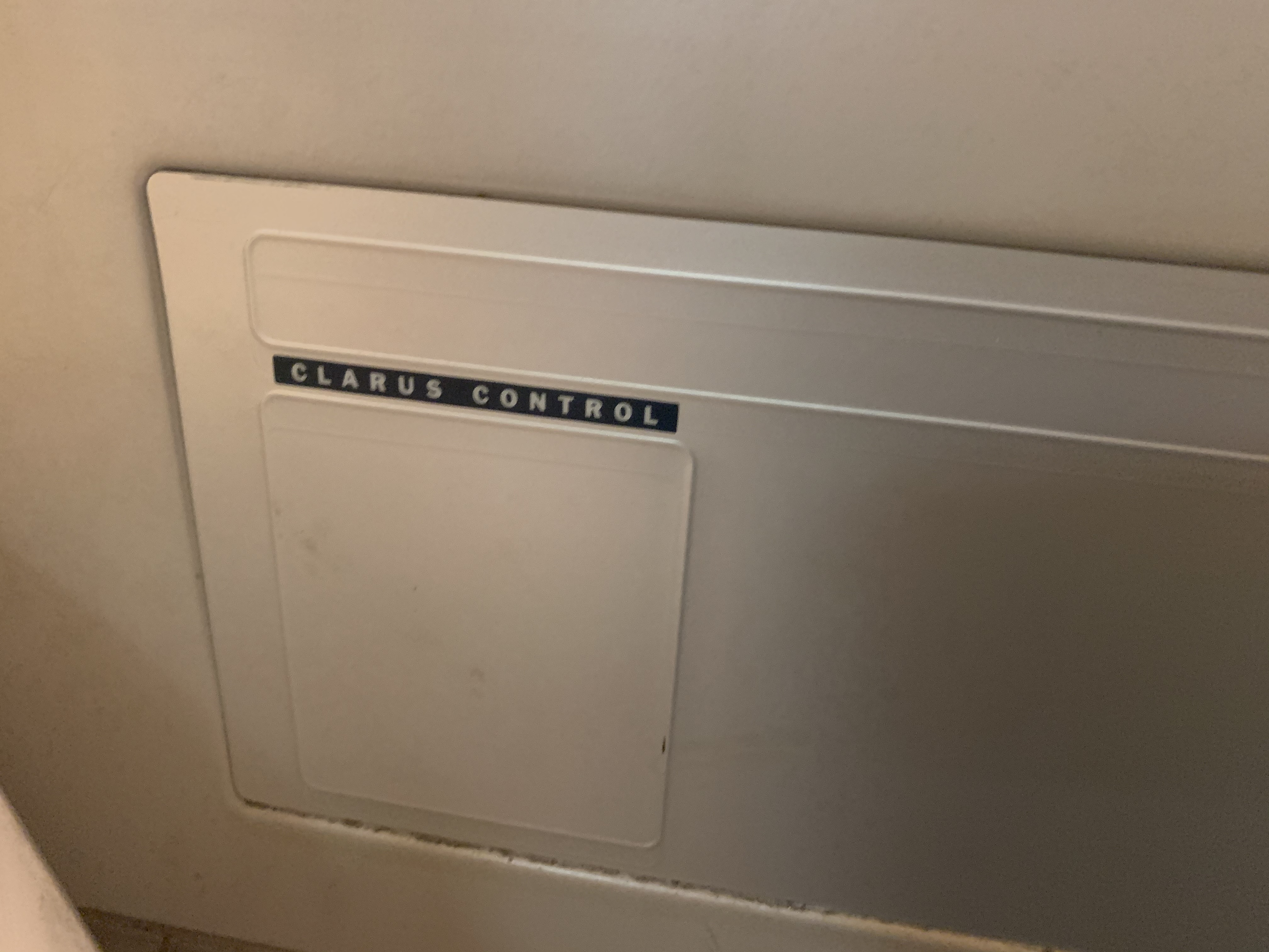 WASCOMAT SV640C WASHING MACHINE WITH CLARUS CONTROL - 40LB CAPACITY - Image 2 of 8