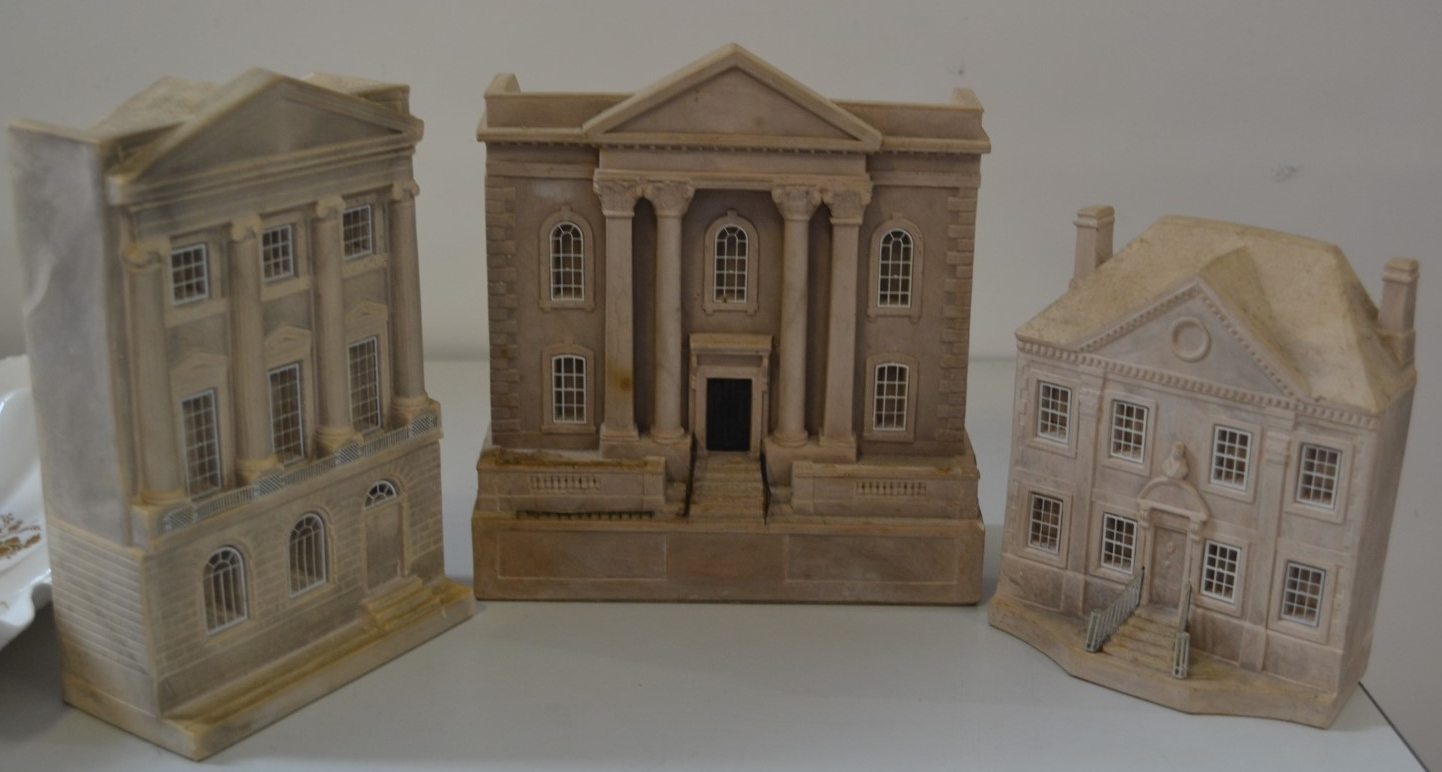 Lot 2920 - 1 x Timothy Richards House Models - Ref J2144 - CL314