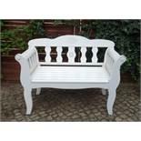 Gartenbank, Friesenbank für 2 Personen, Hartholz, weiß beschichtet, ornamentierte Rückenlehne, B*T