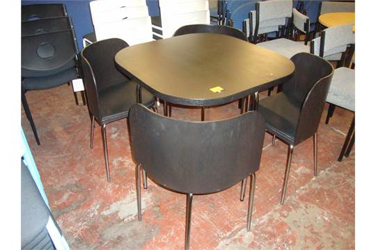 Table and chair set comprising square table with rounded for Table th rounded corners