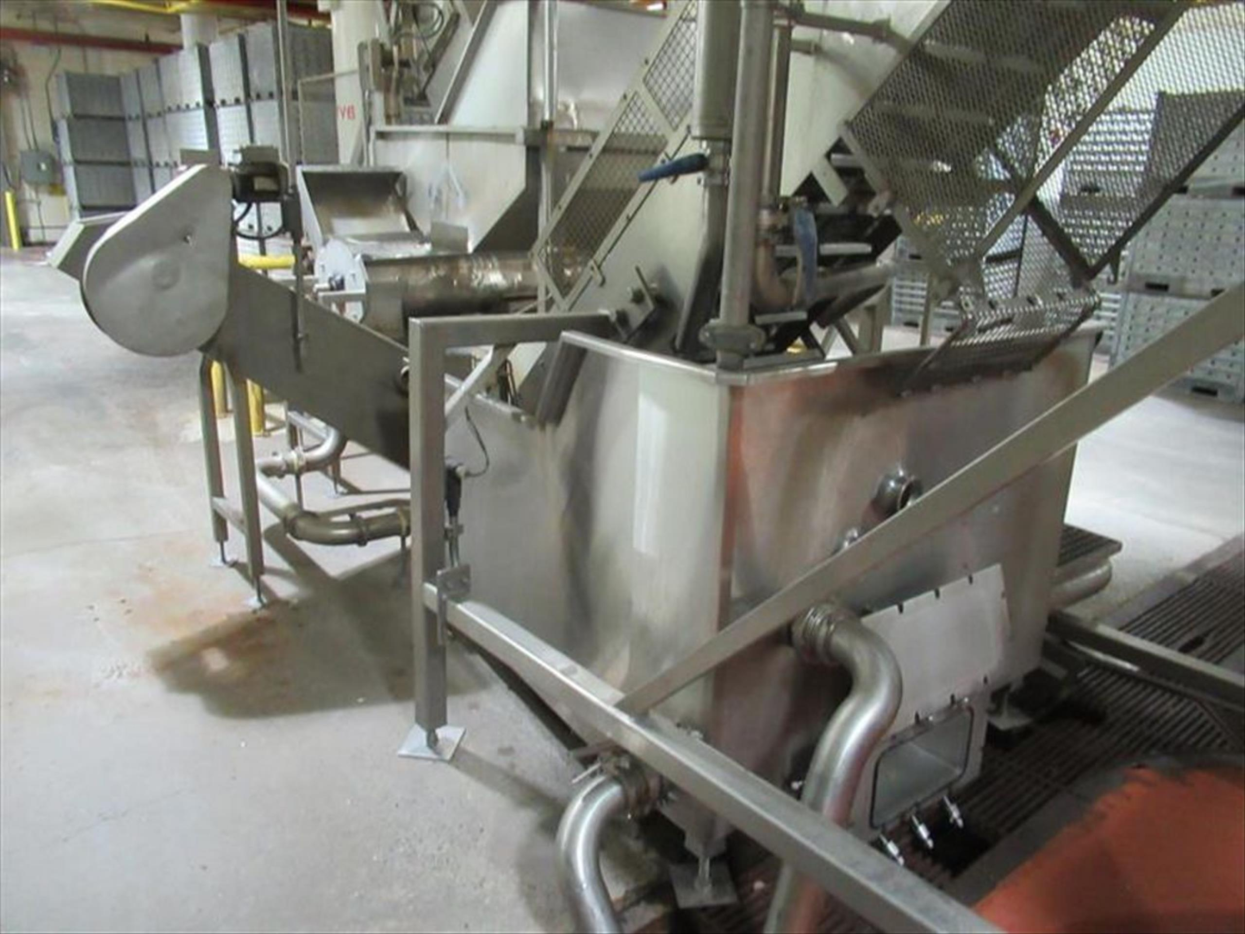 Dewatering / destoner wash tank system include 24 in w x 15 ft l x 14 ft h elevating conveyor with - Image 3 of 4