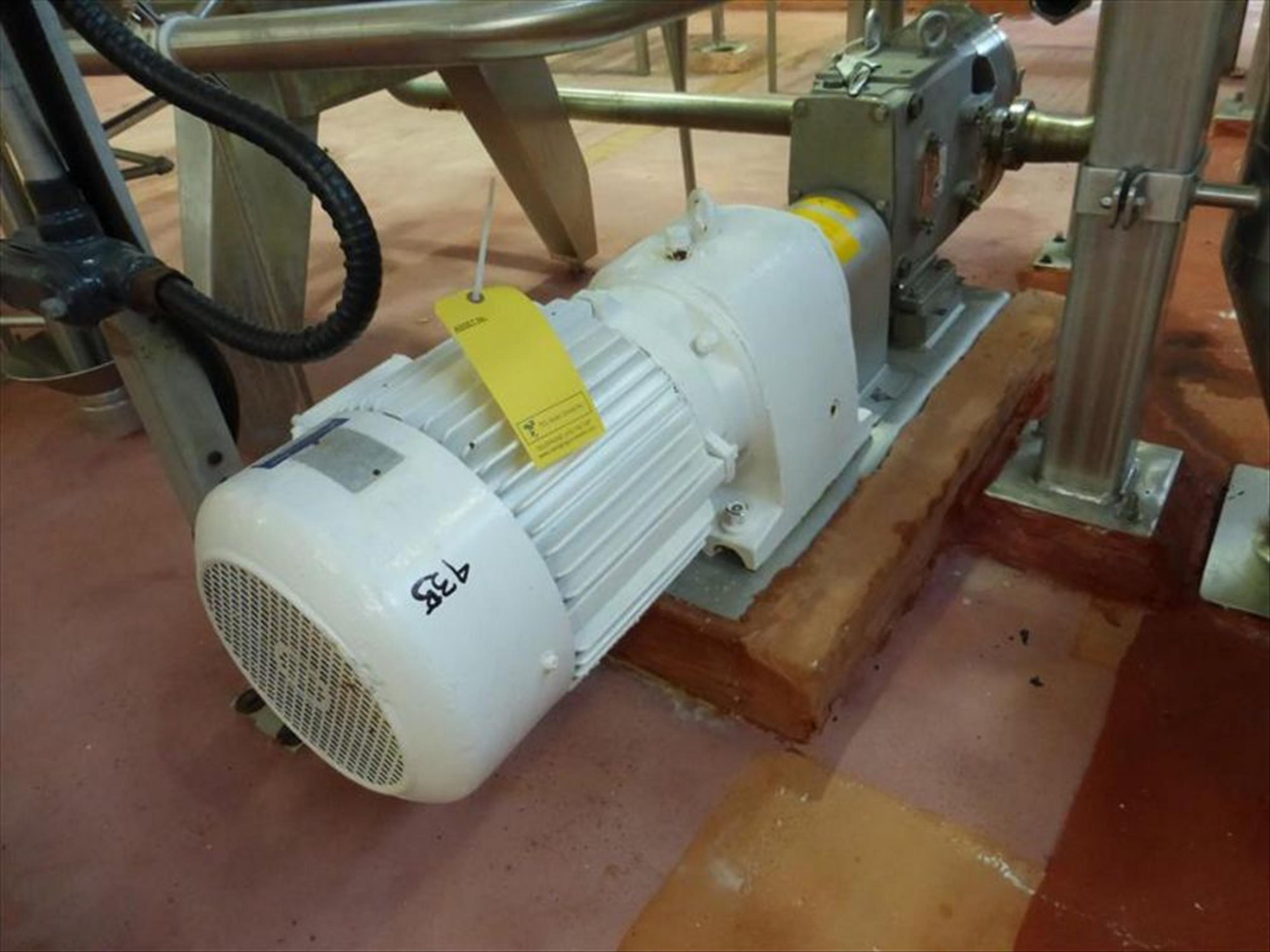 Waukesha positive displacement pump mod. no. 130 - U1 ser. no. 100000325-8459 stainless, approx 5hp,