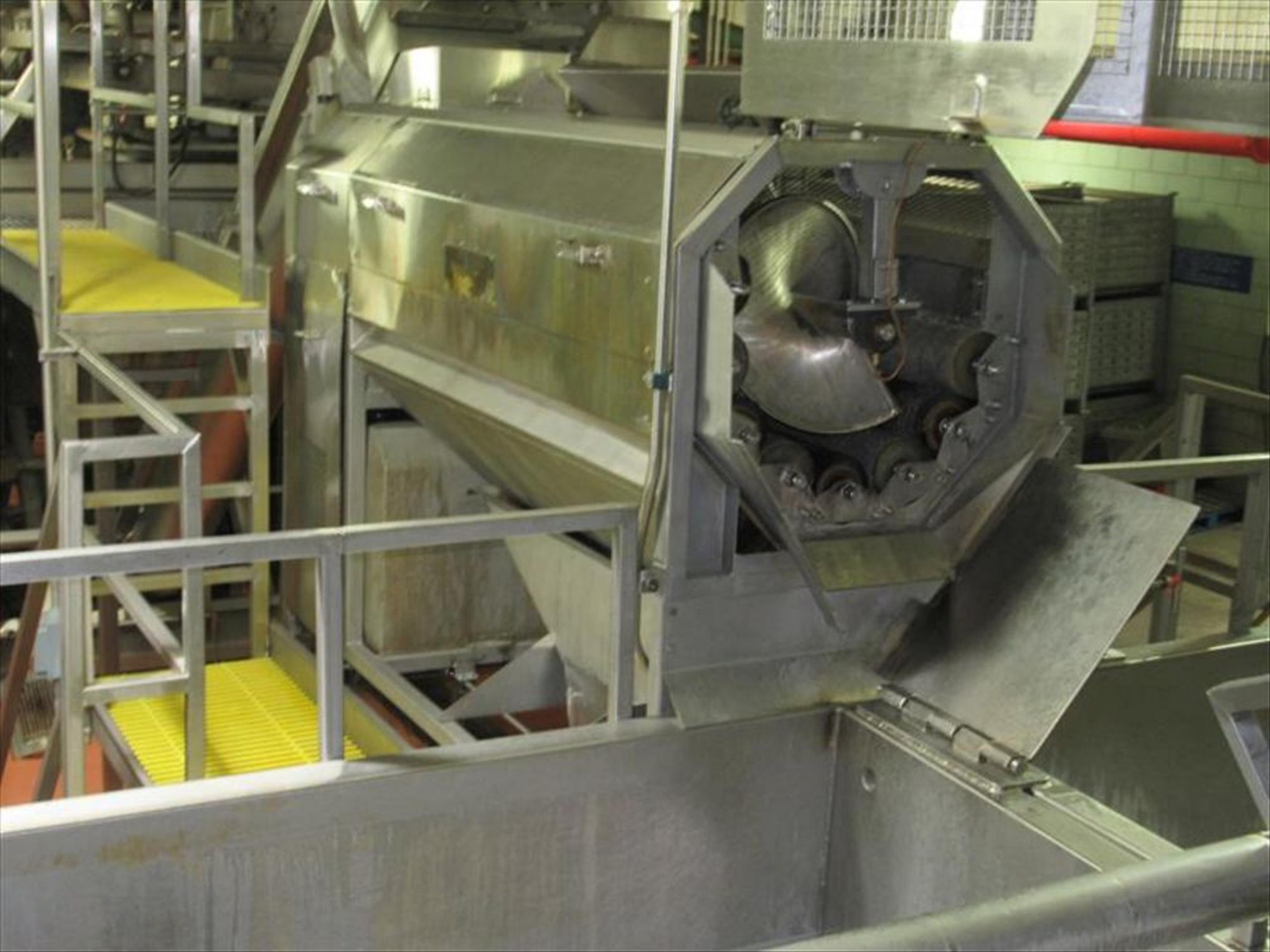 Abrasive peeler continuous washing feeling machine, 4 brush and 4 abrasive rollers, approx 4000 - Image 2 of 4
