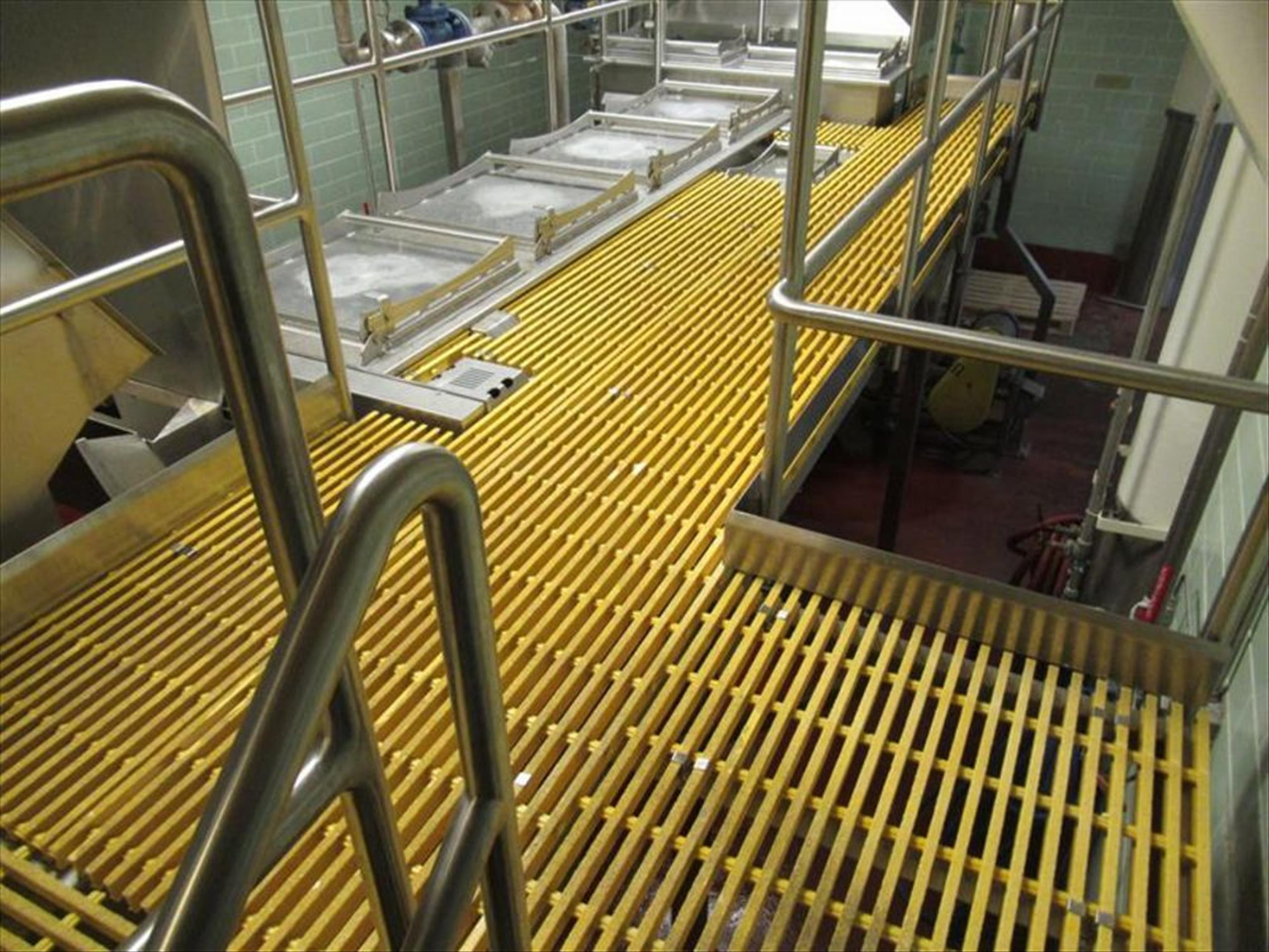 Blancher inspection platform with (2) 10 steps stairways, Hd stainless framing and safety rails, - Image 2 of 4
