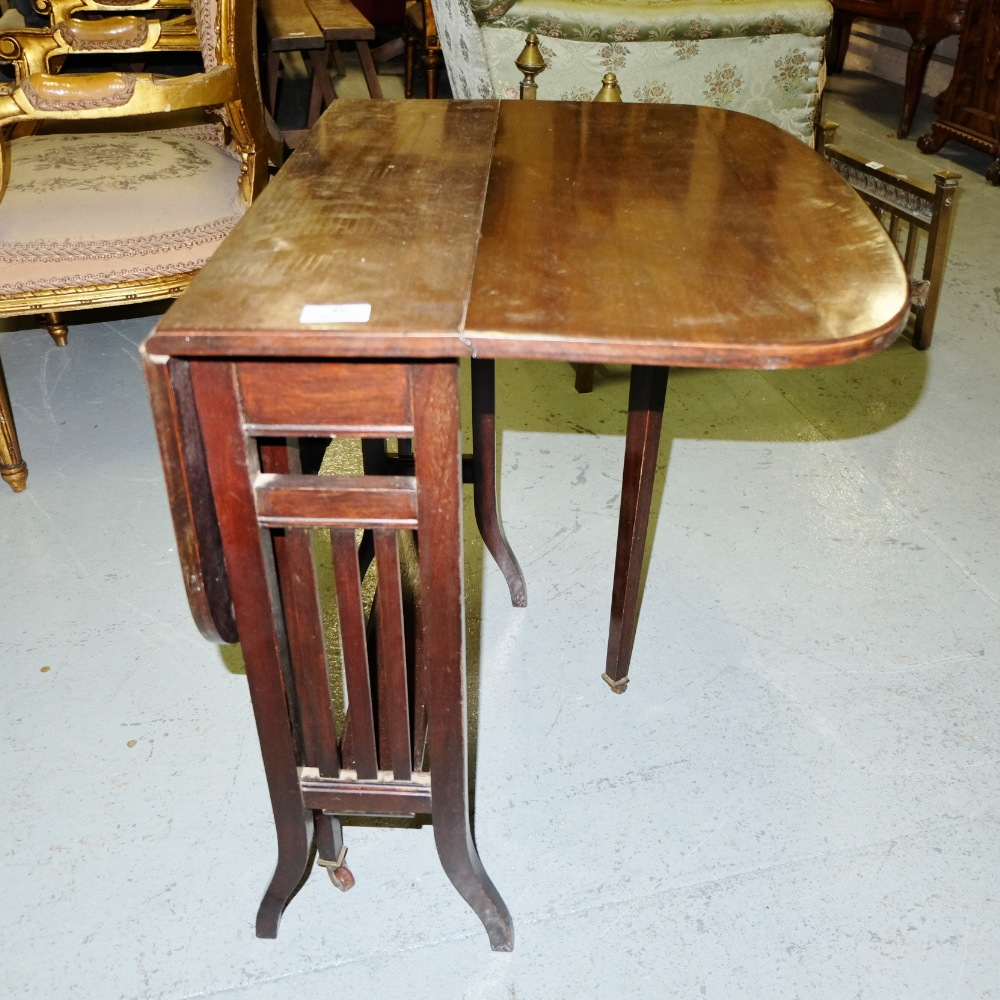 Lot 6 - Mahogany Sutherland Table, on tapered legs, 2ft wide