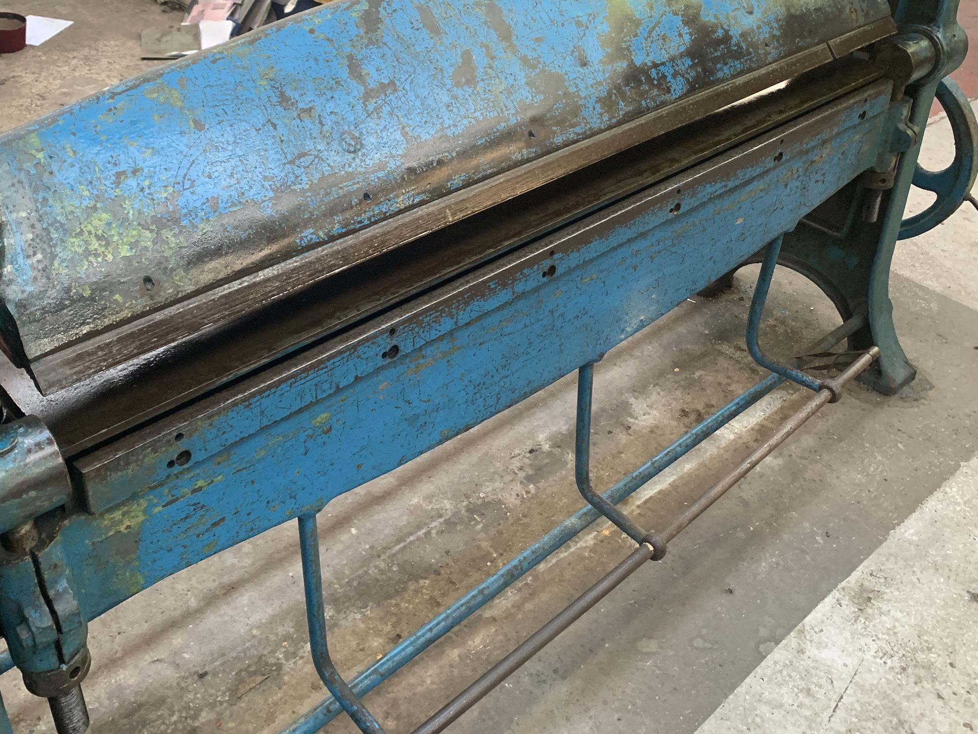 High Lift Manual Folding Machine. 48'' Capacity. - Image 3 of 3