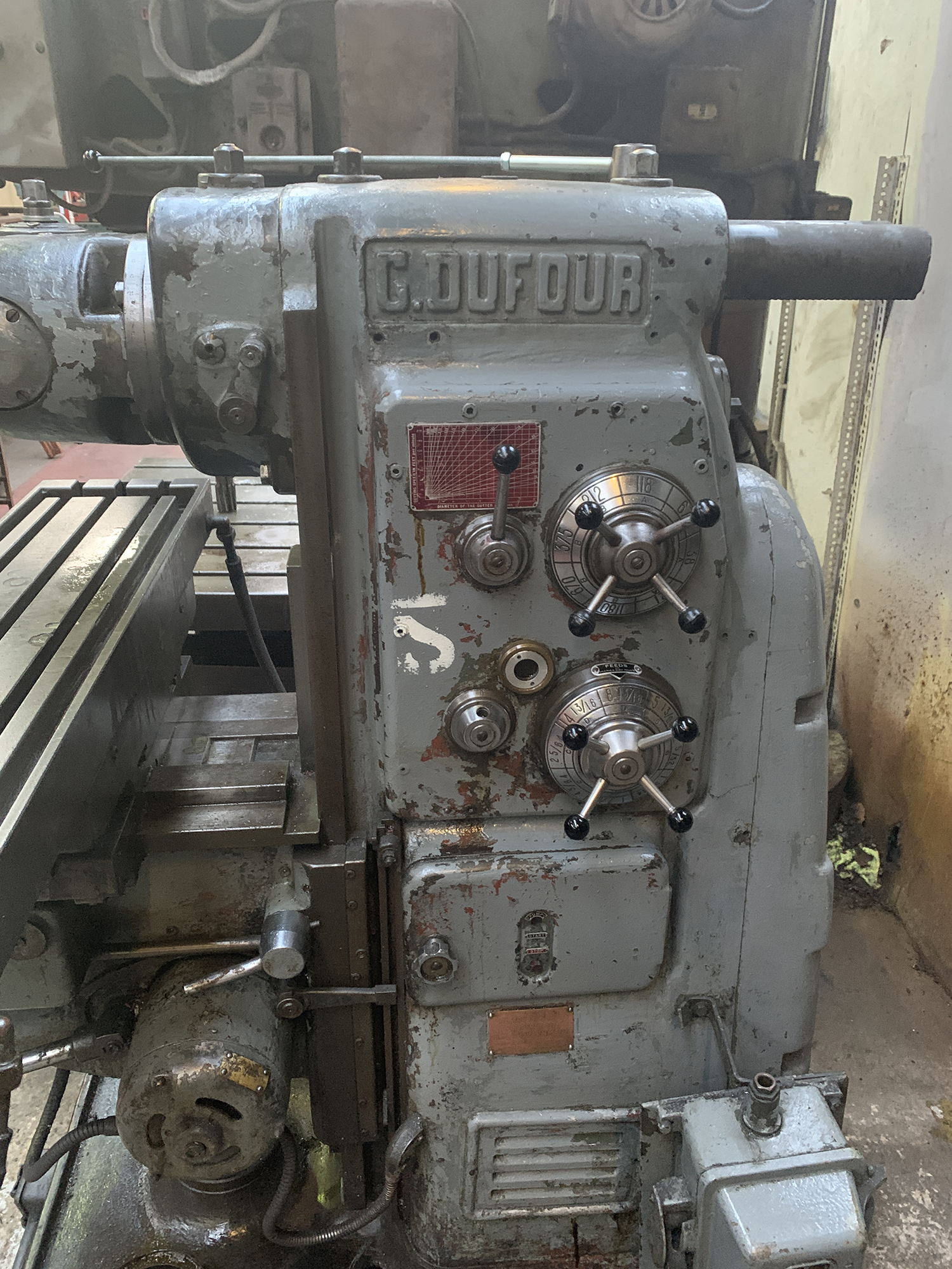 Dufour Universal Milling Machine with Double Swivel Head. Table Size 1100 x 250mm. - Image 3 of 4