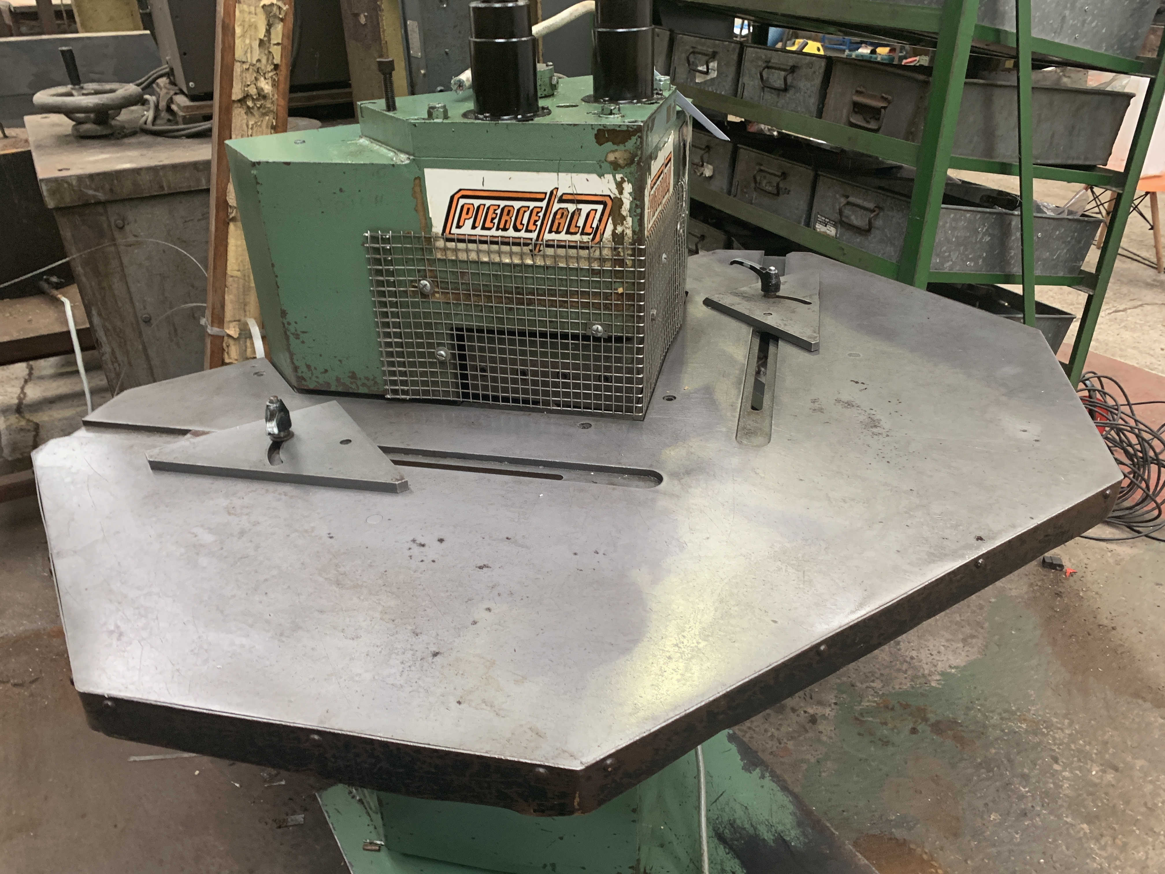 Pierceall Sheet Metal Corner Notcher. Capacity 200mm x 200mm x 3mm. - Image 3 of 3