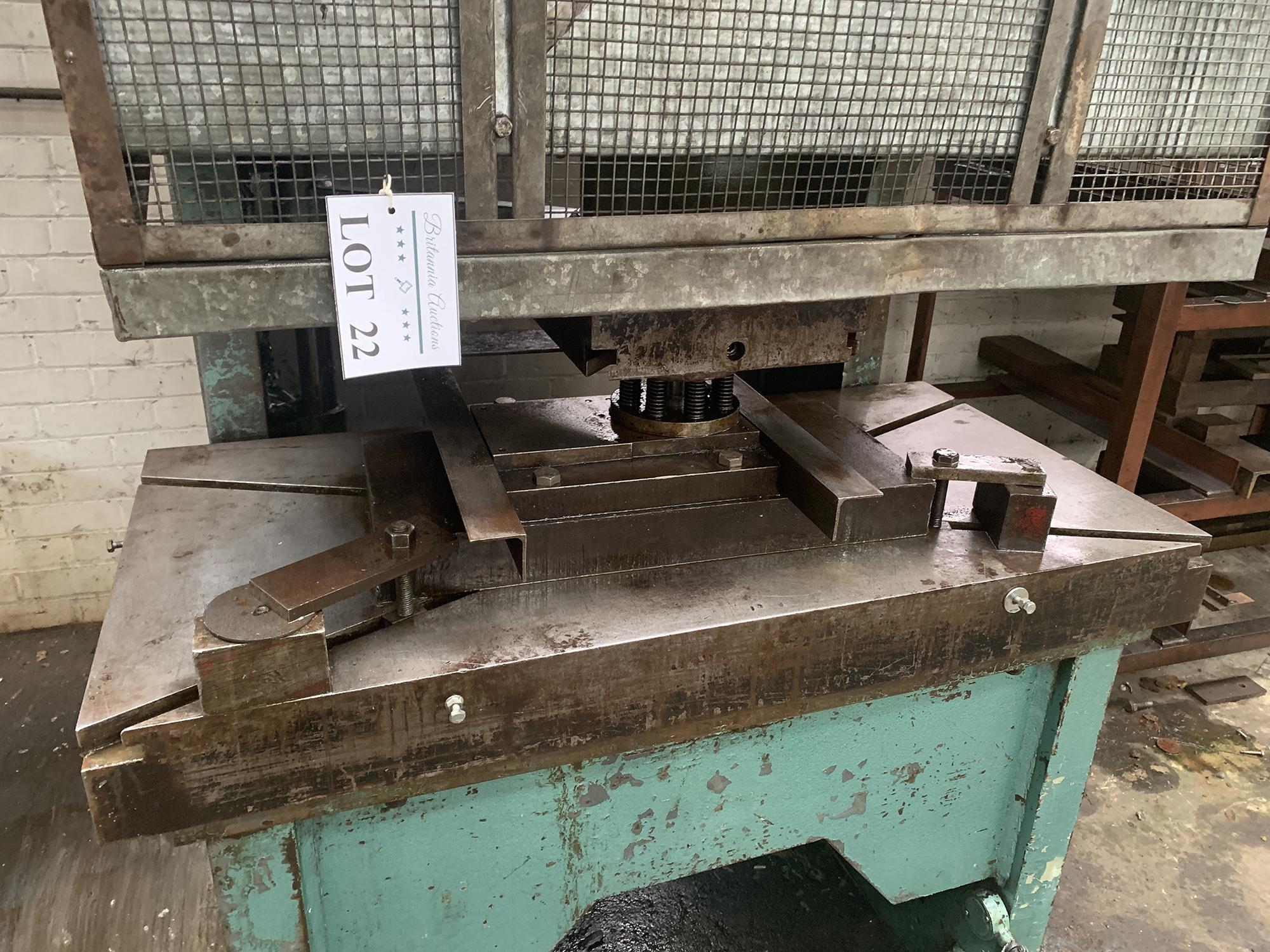 Barnes Hydraulic Press. 100 Ton Capacity. 24'' x 48'' Platen Size. - Image 3 of 5
