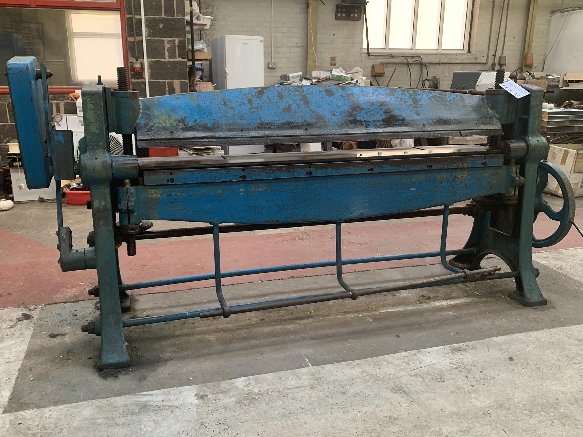 High Lift Manual Folding Machine. 48'' Capacity.