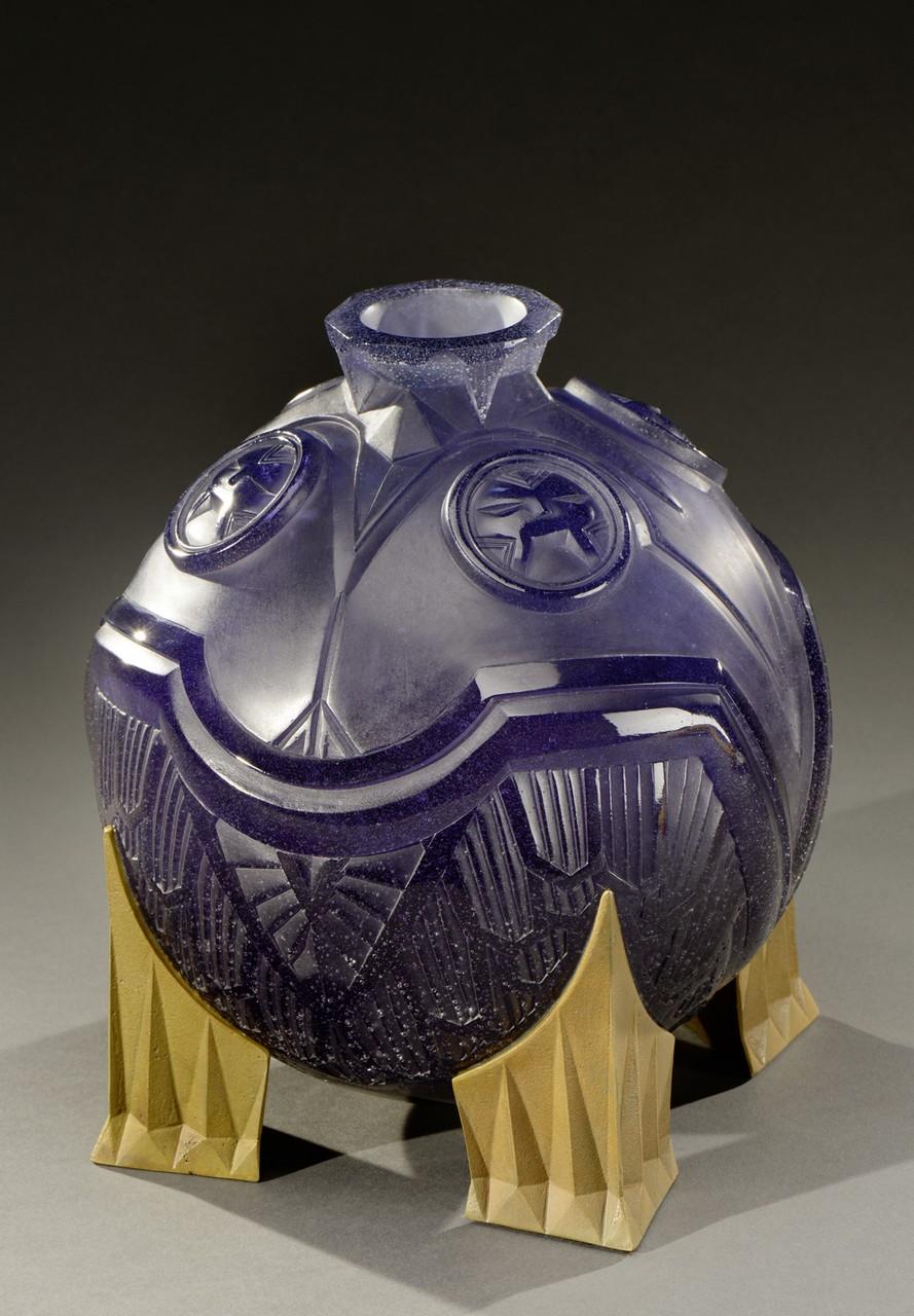 Lot 168 - DAUM EDITEURS et PHILIPPE DRUILLET, dessinateur Suite de deux vases modèle «Salammbô» version nuit
