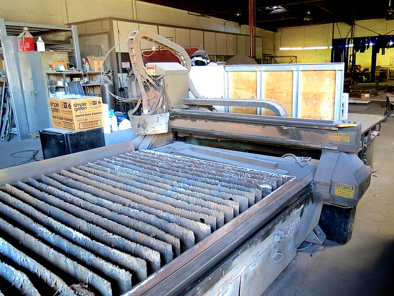 Lot 2 - 2006 Multicam 3000 Plasma Cutter System 5' X 10' Table 50/60HZ,208V, 3-Phase, 33.5 Amps,