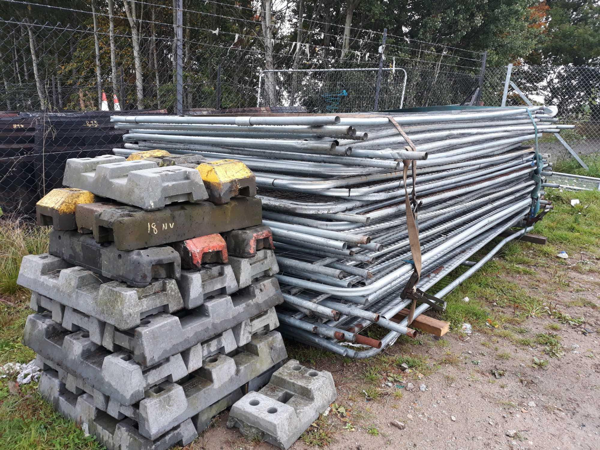 Lot 18 - HERAS FENCE AND 2 LOTS FEET