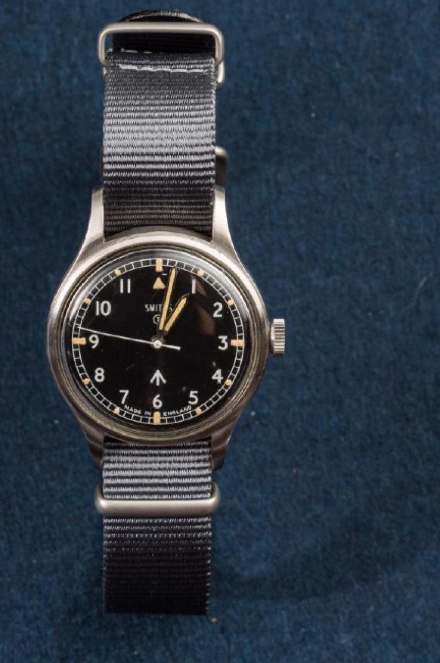 Lot 16 - SMITHS, Military watch