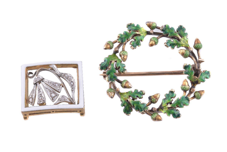 Lot 42 - An enamel oak leaf and acorn brooch