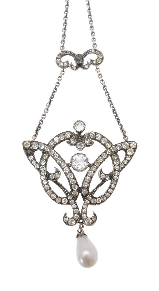 Lot 20 - An early 20th century paste necklace