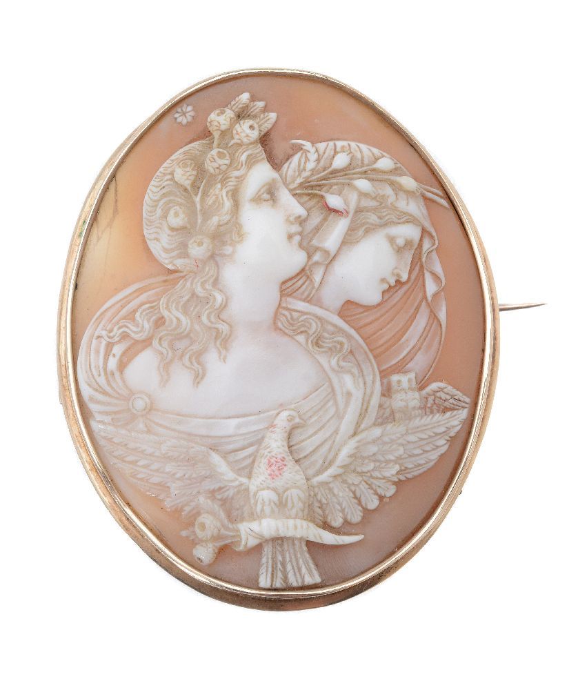 Lot 14 - A late Victorian shell cameo brooch