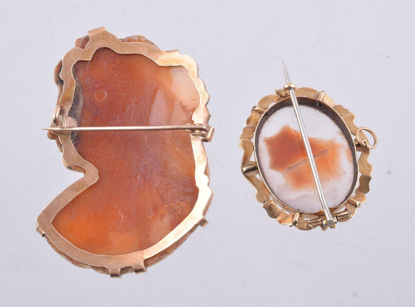 Lot 16 - A shell cameo brooch