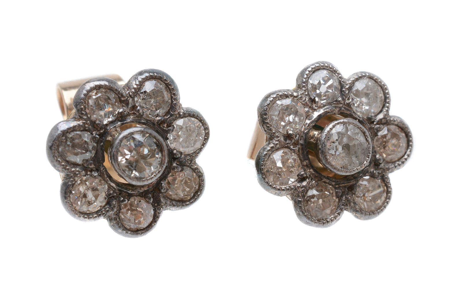 Lot 23 - A pair of diamond cluster ear studs