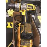 DEWALT 1/2 DRIVE DCD970 WITH 18 VOLT BATTERY AND CHARGER