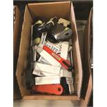 (LOT) ASSORTED BOX CUTTERS