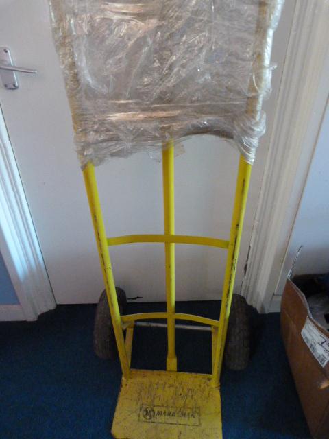 Lot 16 - *Yellow Sack Barrow