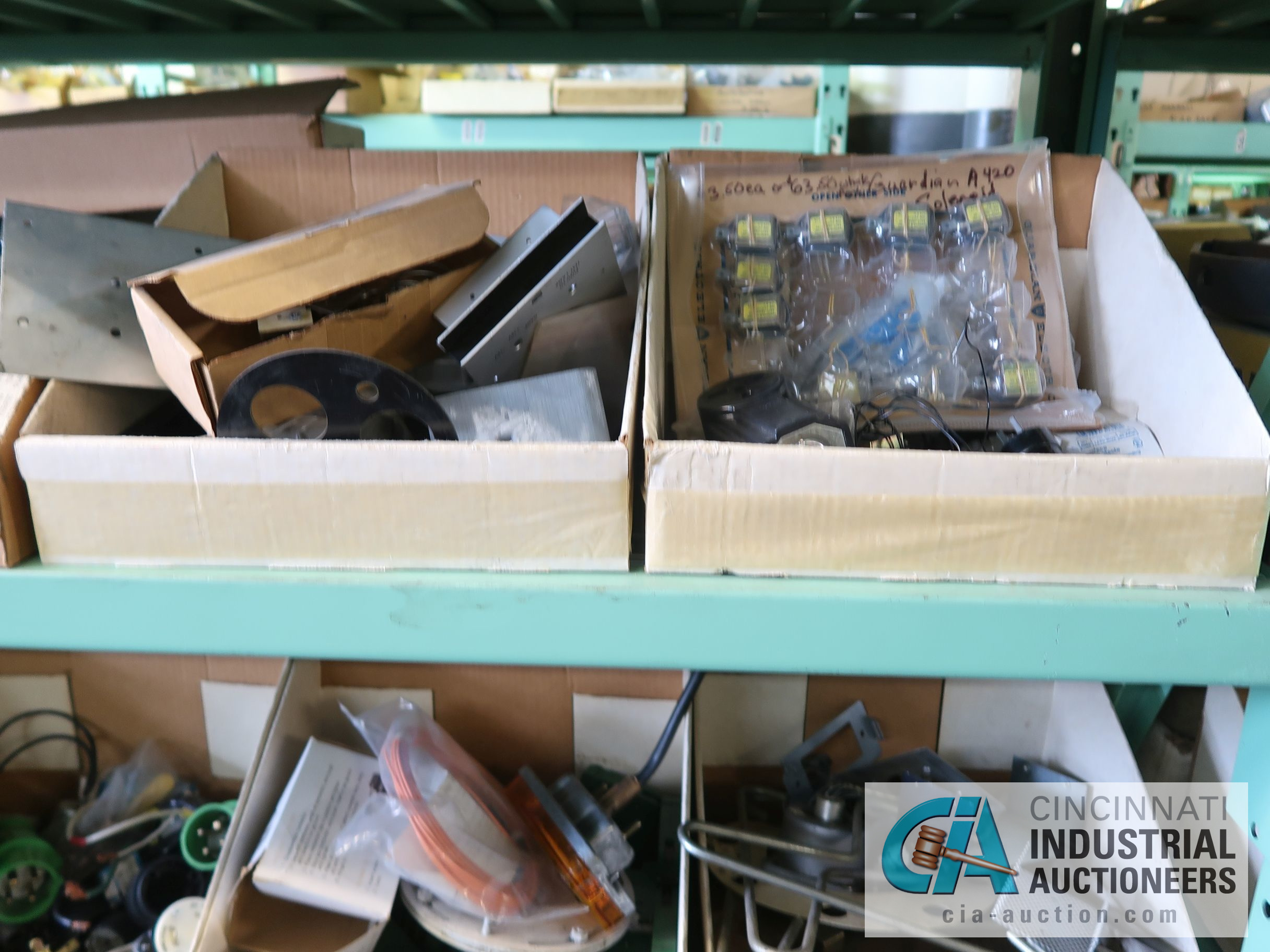 CONTENTS OF (6) RACKS INCLUDING MISCELLANEOUS AUTOMOTIVE PARTS, BREAKS, ROTORS, GASKETS, MOUNTING - Image 17 of 38