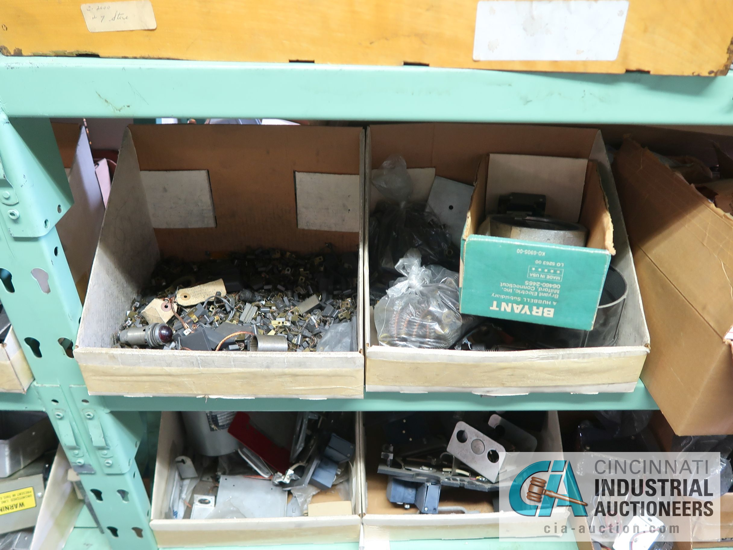 CONTENTS OF (6) RACKS INCLUDING MISCELLANEOUS AUTOMOTIVE PARTS, BREAKS, ROTORS, GASKETS, MOUNTING - Image 24 of 38