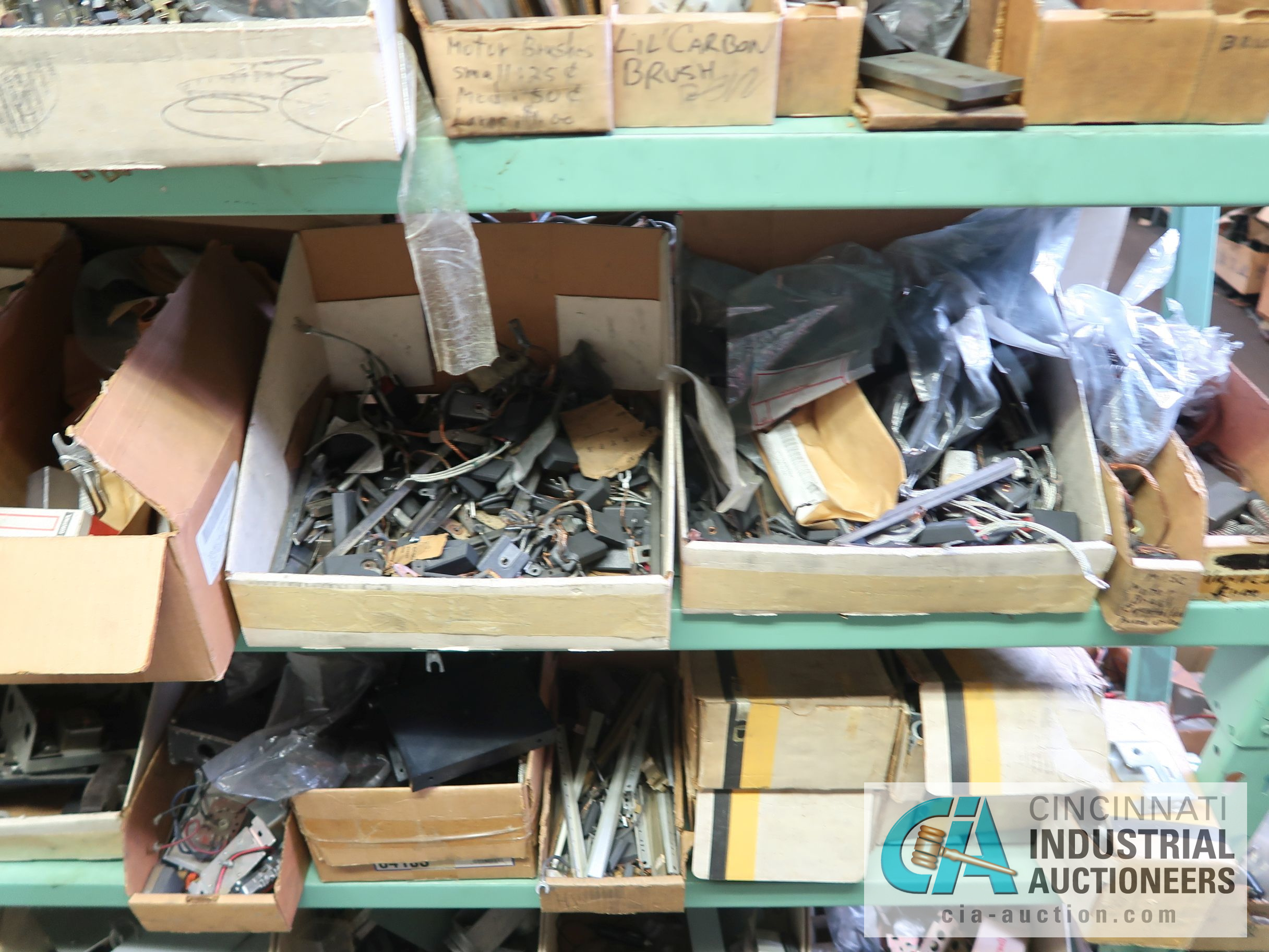 CONTENTS OF (6) RACKS INCLUDING MISCELLANEOUS AUTOMOTIVE PARTS, BREAKS, ROTORS, GASKETS, MOUNTING - Image 23 of 38