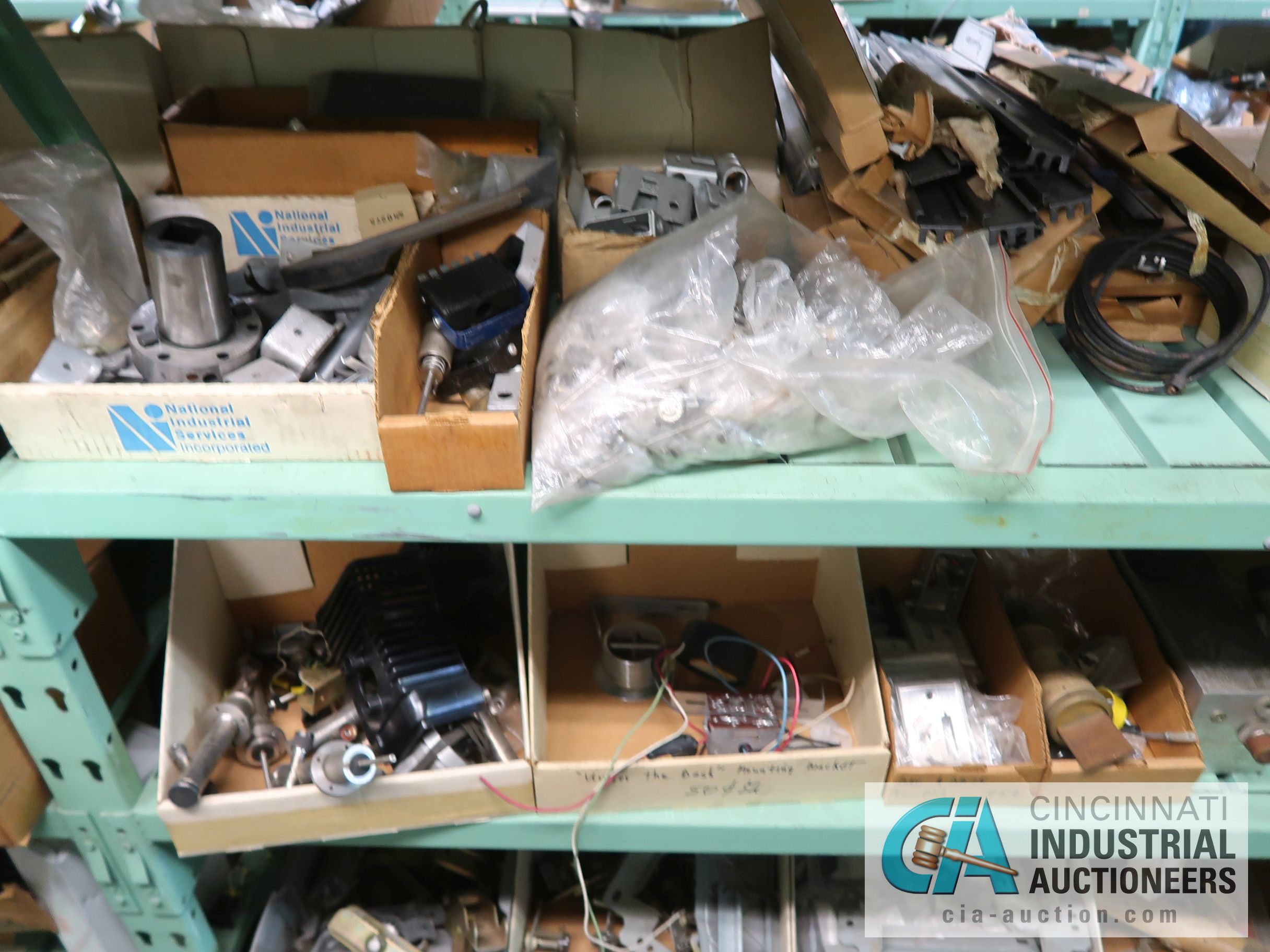 CONTENTS OF (6) RACKS INCLUDING MISCELLANEOUS AUTOMOTIVE PARTS, BREAKS, ROTORS, GASKETS, MOUNTING - Image 32 of 38