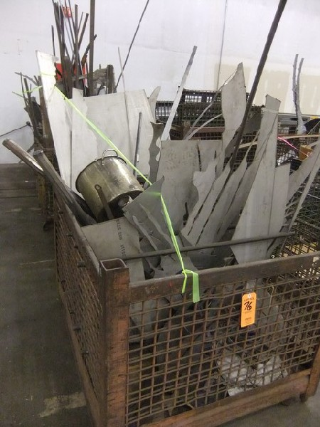LOT: BASKETS W/ MISC. METAL